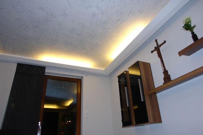 Venezianische Spachteltechnik, Rotkalk Filz 0,5, Bleich, Wohnzimmer, Einrichtung, indirektes Licht, Lichtleiste, Wohnzimmer Leuchte, behaglich,