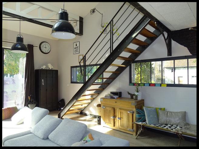 escalier métal  avec boulons et bois,rampant  métal, l'atelier Carrotte