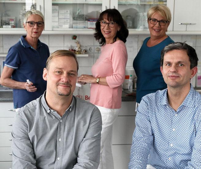 von links nach rechts: Dr. Christian Gerecke, Dr. Kai-Michael Klima, Frau Andrea Kluge, Frau Brigit Keucher, Frau Silvia Calwell