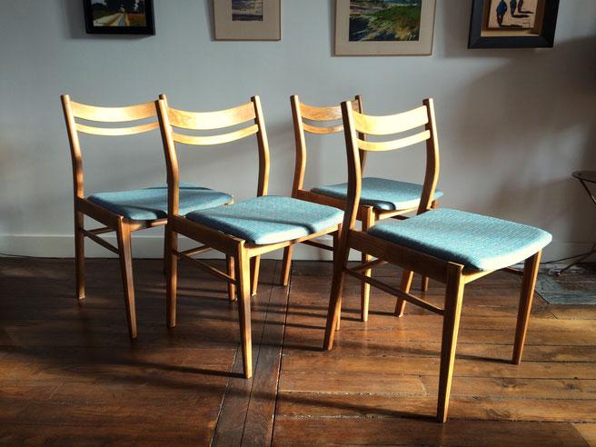 chaises vintage, chaises années 60, 60's, chaises bleues, suite de quatre chaises
