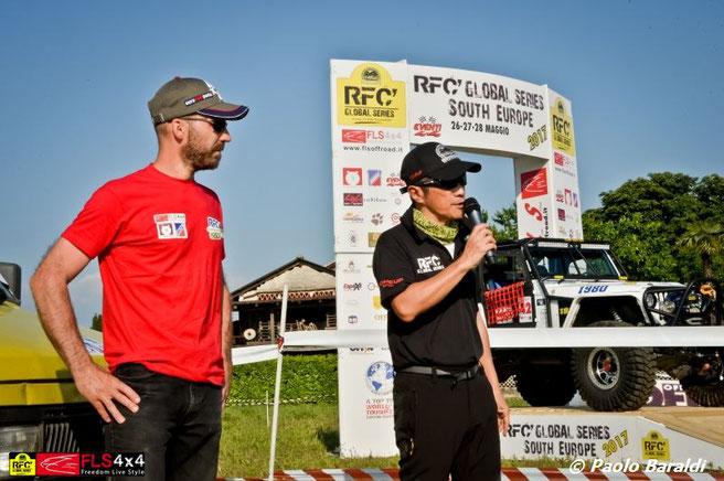 A sinistra Patrick Silvestri con Mr. Luis. J. A. Wee fondatore del Rainforest Challenge