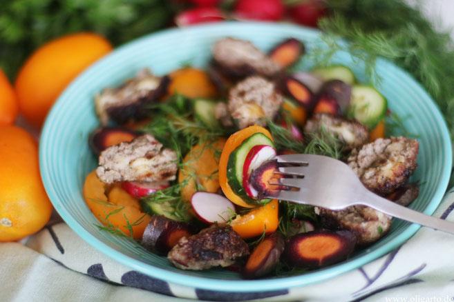 Frischer Salat mit Fleischbällchen mit Mottarella und viel Dill Oligarto Rezepte