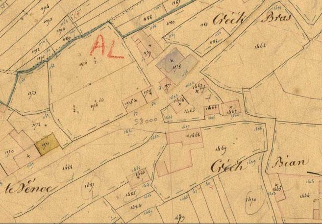 Détail du cadastre de 1847, la parcelle 1174 est bordée de murs En 1175 l'implantation de la maison et en 1176 celle du skiber, en 1178 colorée en violet l'ancienne mairie construite vers 1840