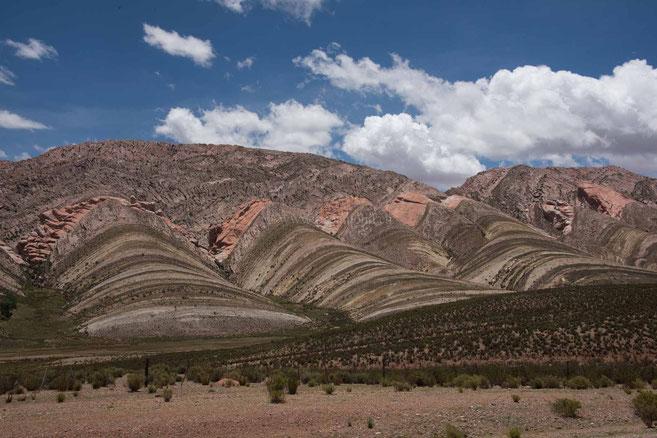 Landschaft kurz nach der Grenze Richtung Humahuaca