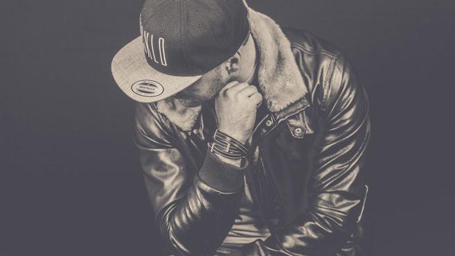 rap hiphop chanteur musique visklo favely bracelet homme orao indahia création bijoux cuir