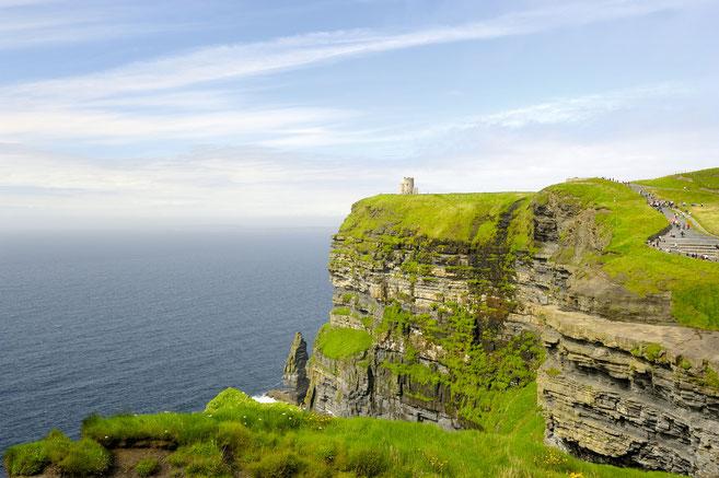 Cliffs of Moher - die höchsten Steilklippen Europas - County Clare im Westen der Grünen Insel