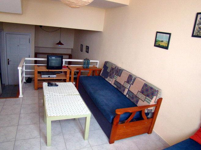 Schlafcouch in der Ferienwohnung mit Terrasse in Los Gigantes auf teneriffa