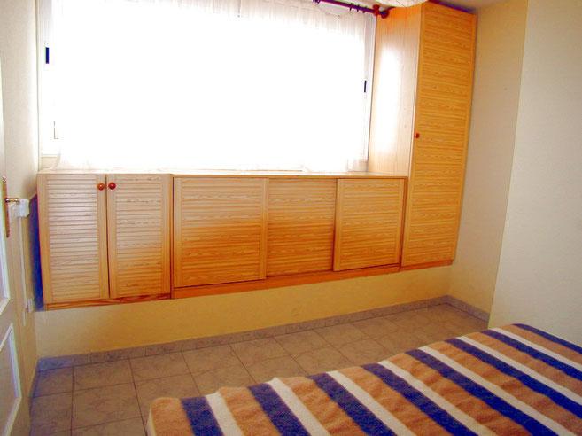 Schlafzimmer mit Doppelbett der Ferienwohnung auf Teneriffa in Los Gigantes
