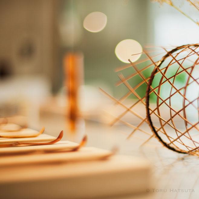 竹の茶杓、花入、籠など。MINにて