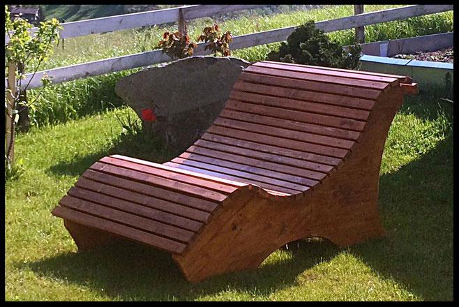 Kindertischli / Bänke / Liegebank - Kinderspielstall aus Holz