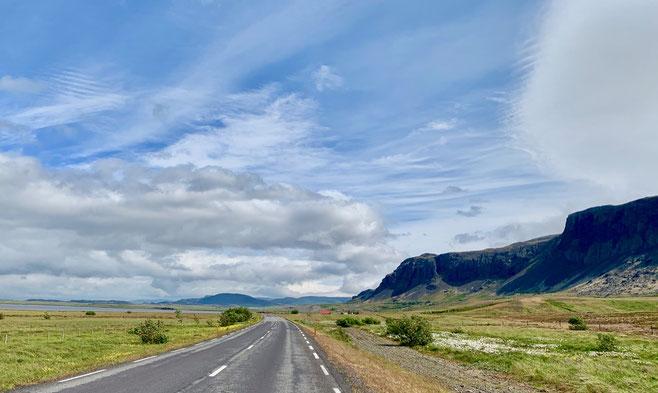 Route 50 tra Borgarnes e Reykholt. Foto di Alessia Paionni