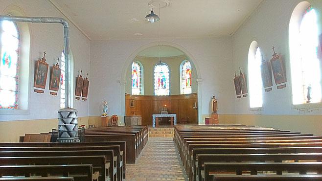 L'intérieur de l'église Saint-Luc de Hautmougey (c) Municipalité de LVLB