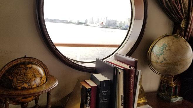 ブックスタンドがヨットの形だったよ!って、写ってないか・・・