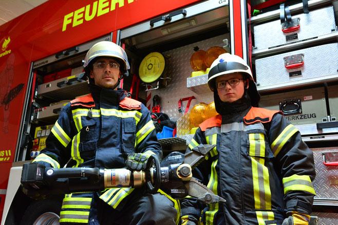 Manuel Gerlach und Markus App mit unserem neuen Rettungsgerät