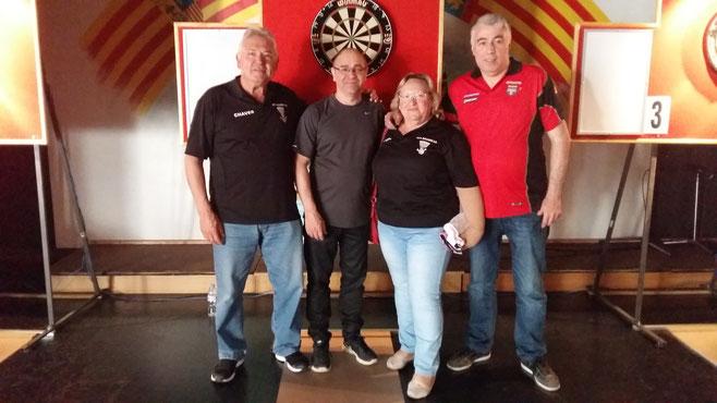 Jugador@s del Esplugues.C.D: Antonio Chaves, Paco Caparros, Pepi del Pozo y Domingo Lopez