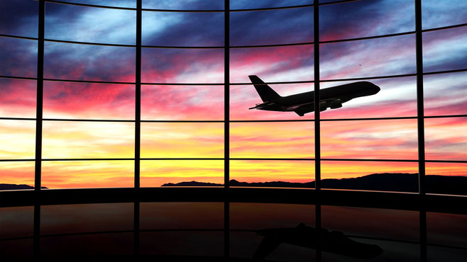 solo traveler tips for flights