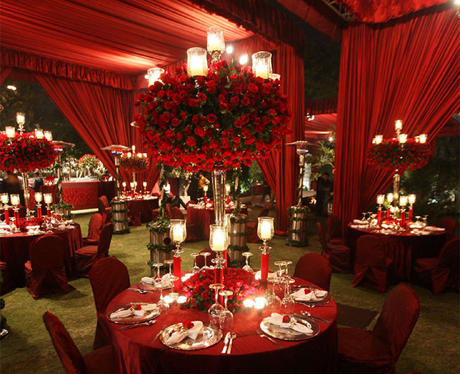 decoracion con telas para boda roja