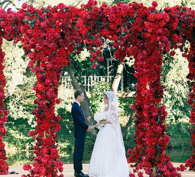 pared de flores para boda