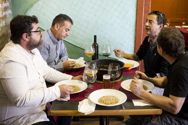 EL MARINO PORT. Ideal para reunirse alrededor de un buen plato y unos buenos amigos.