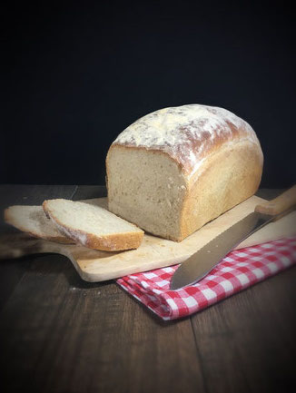 Sandwich Brot oder Toastbrot in normaler Kastenform oder Toastbrotform gebacken vegan Thermomix