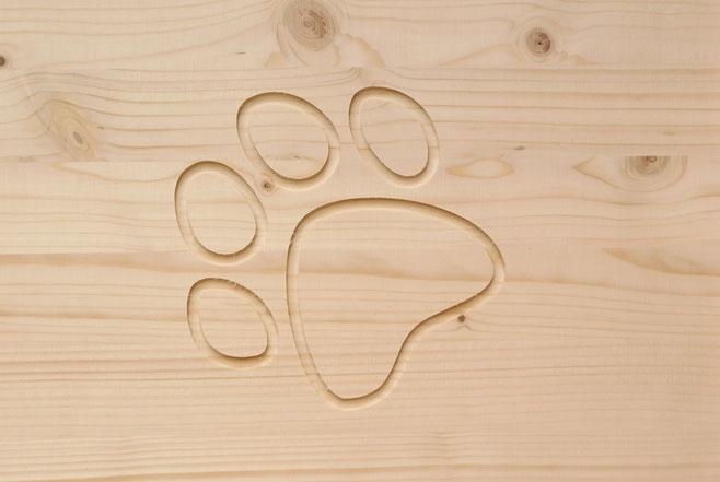 Holz ist eines der besten natürlichen Dämmmaterialien um Ihr Haustier vor Kälte zu schützen.