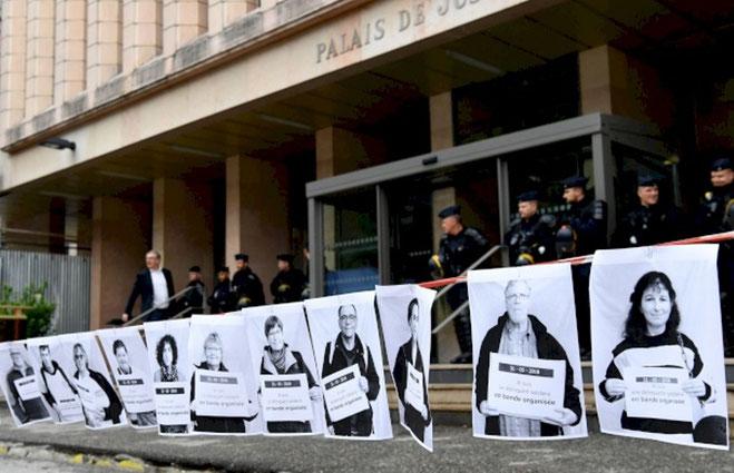 """Alle vil være del af """"banden"""" :  Aktivisterne har i den anledning lavet efterlysningsplakater af dem selv i forbindelse med retssagen mod de tre anklagede."""