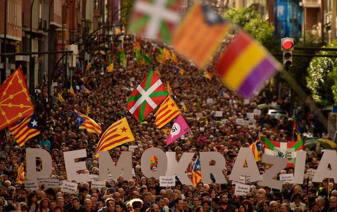 Solidaritetsdemo med den catalanske uafhængighedsbevægelse i den baskiske by Bilbao (Bilbo) den 16. september 2017