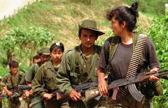 """Medlemmer af Colombias """"Revolutionære Væbnede Styrker"""" (FARC)"""