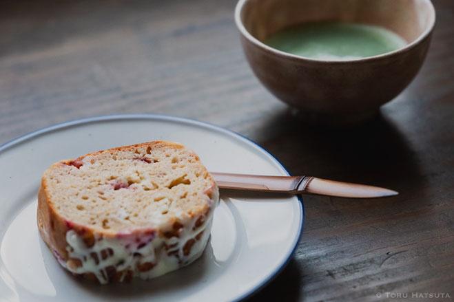 煤竹菓子切り「ささのは」。焼き菓子と抹茶と。