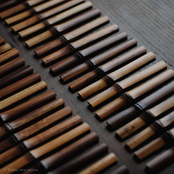 菓子切りを削るまえ、下ごしらえの煤竹