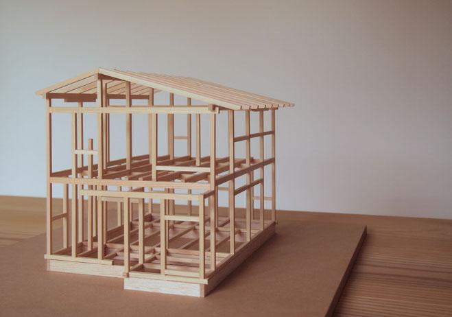 「小さな木と土の家」の軸組み模型