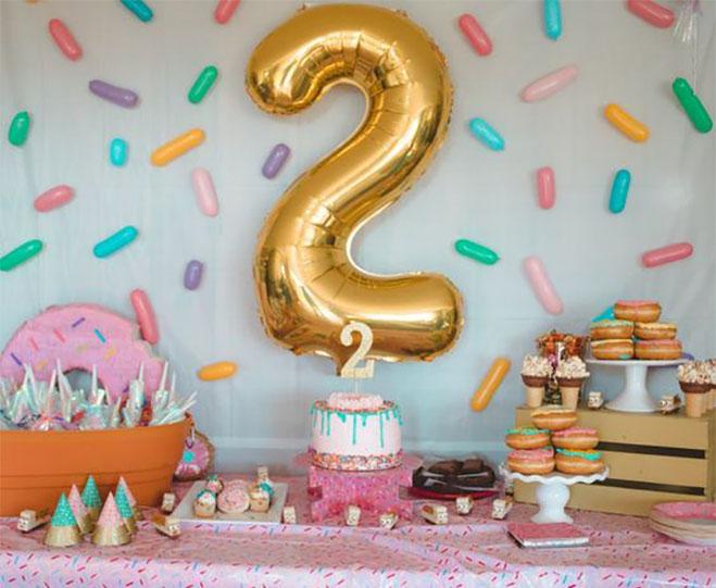 fiesta de niña 2 años tematica de donas