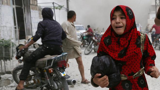 Byen Kfar i den syriske provins Idlib under et af de daglige bombardementer fra det russiske og syriske luftvåben.