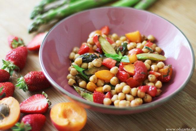 Salat ausObst und Gemüse Oligarto Olivenöl  Rezepte