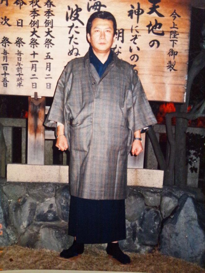 姫路護国神社で国家安泰を祈願する代表