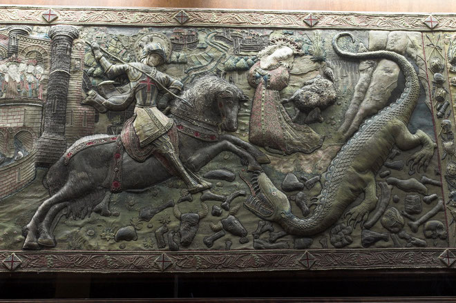 St. Georg gegen Nothosaurus - Palau de La Generalitat in Barcelona, Spanien