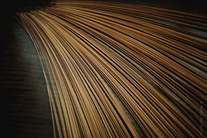 真竹の白竹から竹ひごをつくる