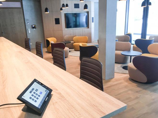 Crestron Mediensteuerung Touch Panel Display