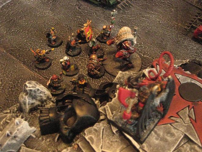 Le Prince Démon fait le malin sur la colline.. le Dread charge les guerriers Squats