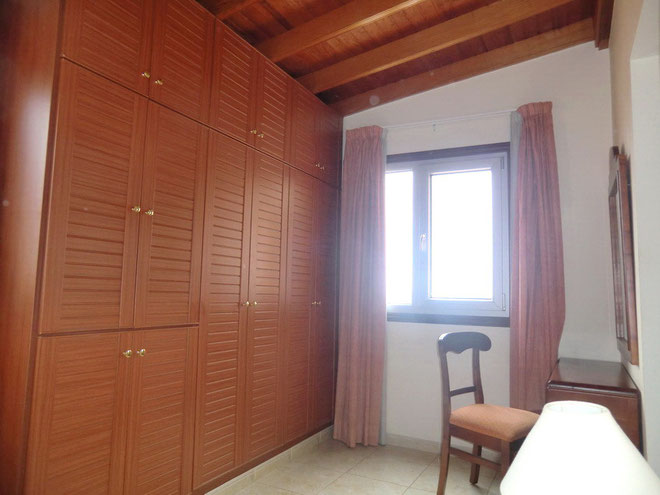 Schrank Schlafzimmer