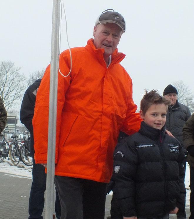 Jaap Oostindier en kleinzoon Tijs van Nieuwenhuizen