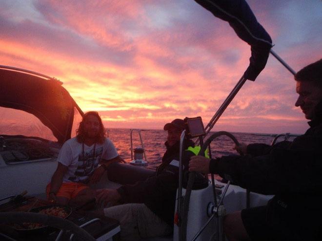Sonnenuntergang auf dem Mittelmeer