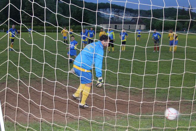 Le jeune et talentueux Dragan redonne espoir sur penalty à l'équipe B qui s'incline sans rougir dans ce match amical