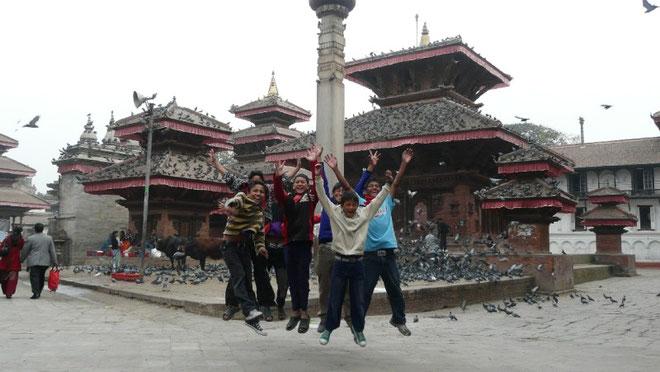Visite au Durbar square de Kathmadou avec les enfants