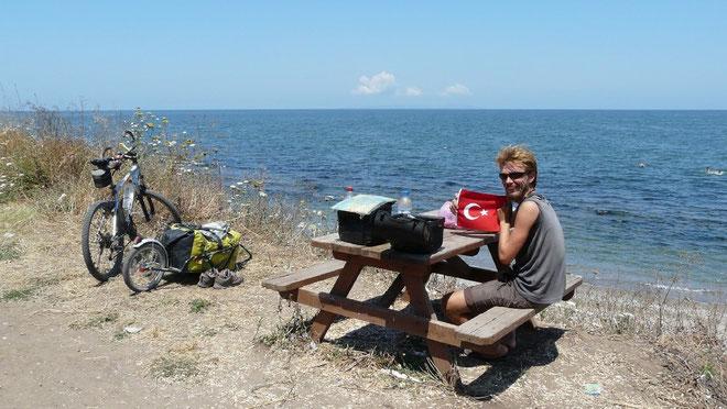 Pic-nic baignade devant la mer de Marmara