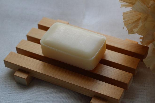 吉野桧で作った石鹸置きです