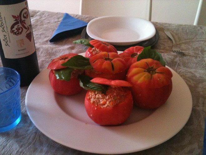 Pomodori ripieni raw