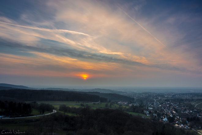 Kurz bevor die Sonne sich hinter den Wolken am Horizont verabschiedete.