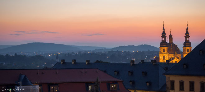 Abendstimmung über Fulda aus meinem Hotelzimmer (6. Stock) - rechts ist noch der beleuchtete Dom zu sehen