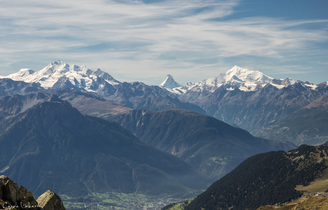 Blick zurück - mittig ist das Matterhorn zu sehen